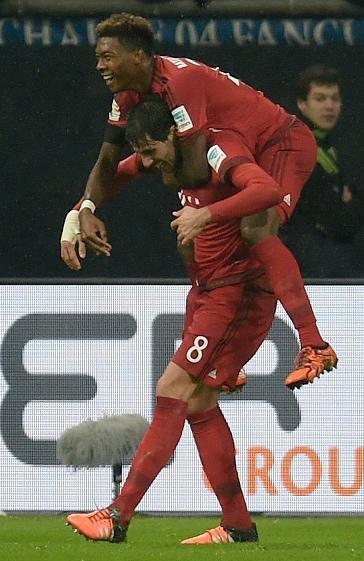Javi vuelve a marcar un gol decisivo en la victoria sobre el Schalke 04 (21-11-15)