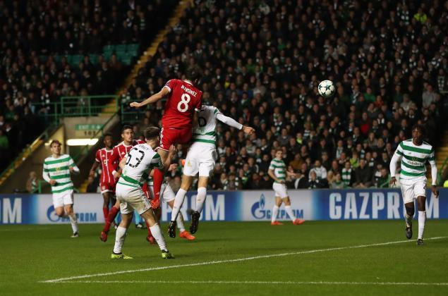 Javi Martínez scores to Celtic Glasgow his first Champions League goal (31-10-17)