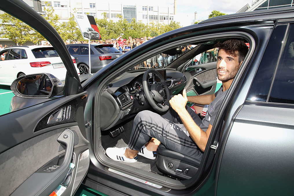 Javi gets a new AUDI official car in Ingolstadt  (22-08-16)