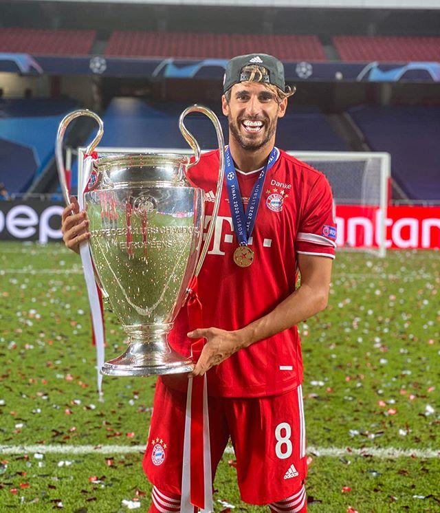 Javi Martínez levanta su segundo título de Champions League (23-08-12)