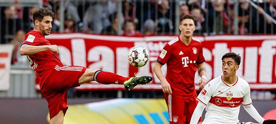 Un Bayern con 10 arrasa al Stuttgart (4-0)